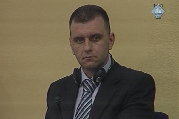 Johan Tarculovski in the courtroom