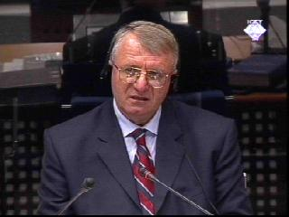 Vojislav Seselj testifying in defense of Slobodan Milosevic